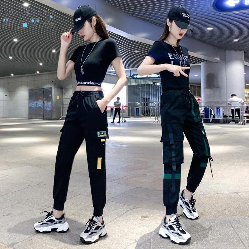 cách phối đồ với quần jogger nữ