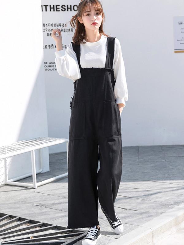 mix quần yếm nữ với áo thun tay dài